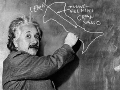 Stranezze dal web - Il tunnel Gelmini secondo Einstein
